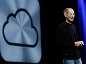 Steve Jobs launches iCloud