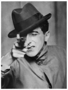Jean Cocteau avec un revolver, 1926, Berenice Abbott