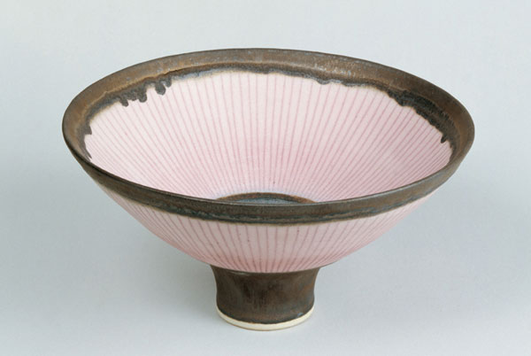 Lucie Rie, footed bowl